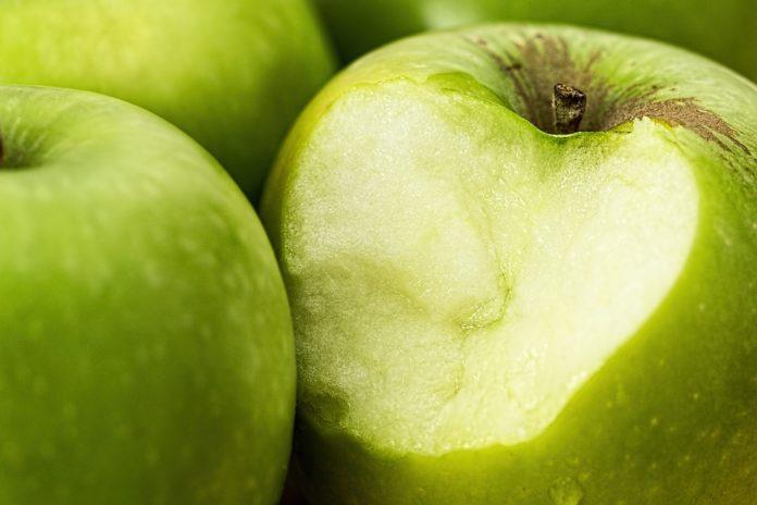 Jak wykorzystać lecznicze i pielęgnacyjne właściwości jabłek