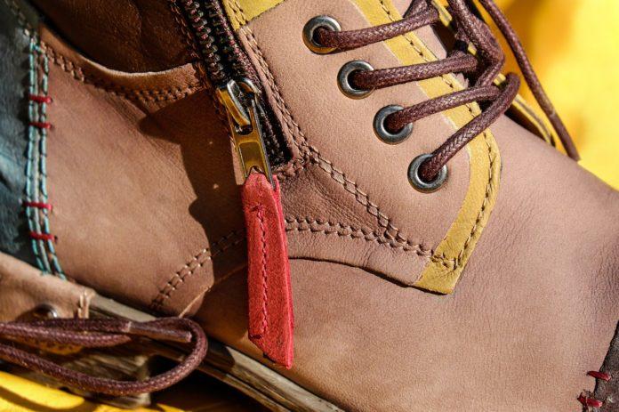 Jak oczyścić buty z soli drogowej