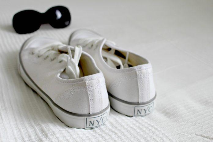 Jak sprawić, by buty nie śmierdziały