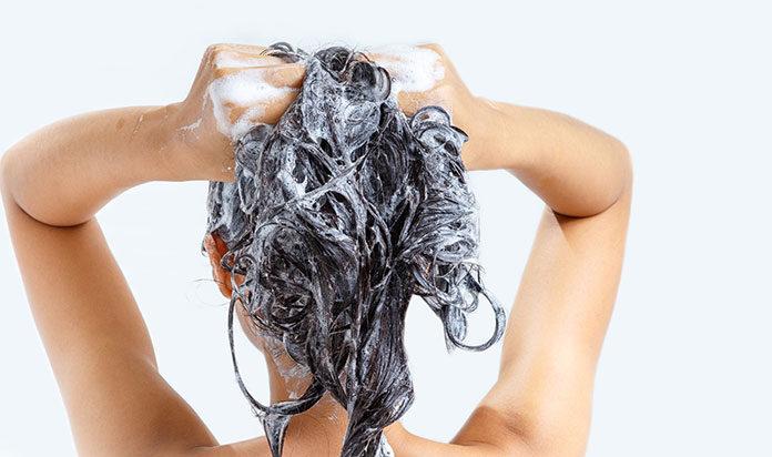 Jak wybrać szampon do włosów farbowanych