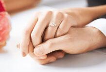 Pierścionek zaręczynowy z diamentem